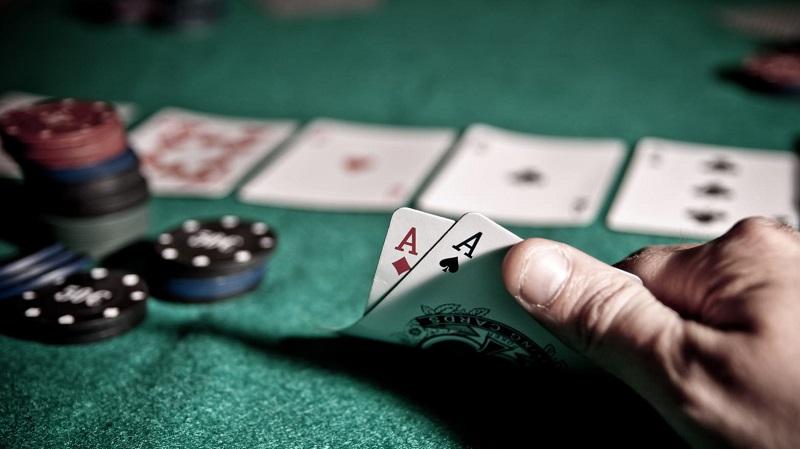 online gambling, gambling, casinos, poker