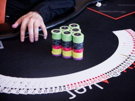 poker, online poker, gambling, poker tips